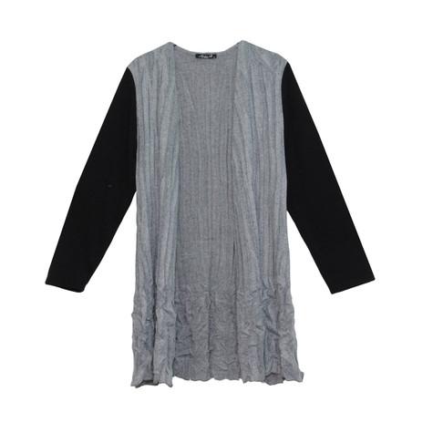 SophieB Grey Crinkle Black Sleeve Knit