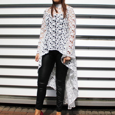 Stella Morgan Off White Lace High Low Top